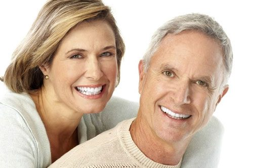 Close a Gap in Your Smile With Teeth Veneers